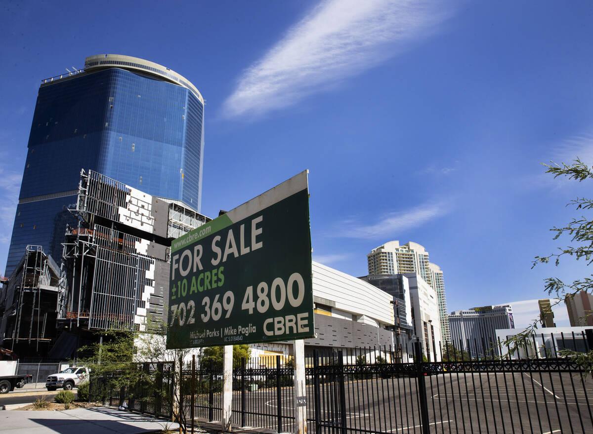 Se muestra una parcela de 10 acres que la Autoridad de Convenciones y Visitantes de Las Vegas e ...