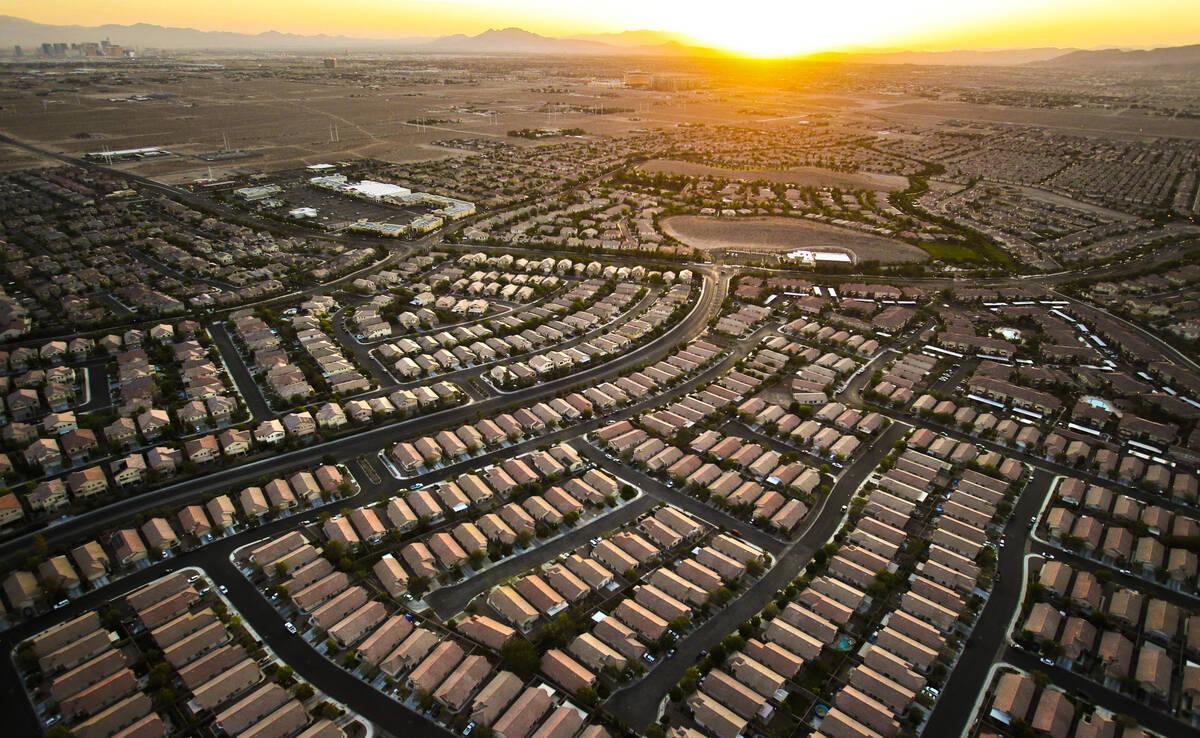 La comunidad de Southern Highlands de Las Vegas vista el viernes 15 de junio de 2012. (Archivo ...