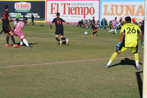 Phoenix Rising FC impuso condiciones en el Cashman Field; goleó 6-3 a Las Vegas Lights FC. El ...
